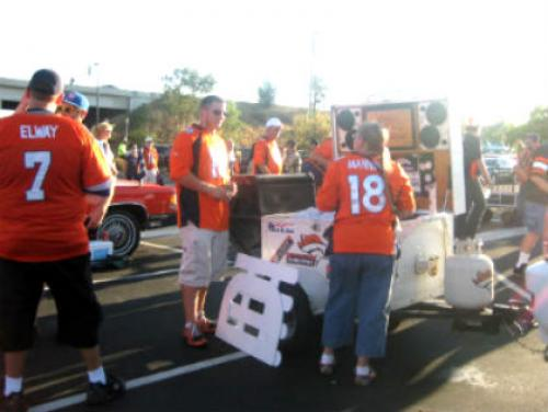 How To Celebrate Thanksgiving With A Tailgate Party In Denver