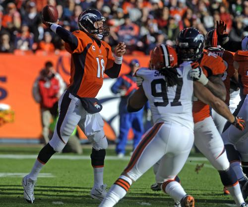 Manning Throws 3 TDs In Broncos 10th Straight Win