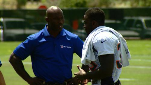 Montee Ball Meets Childhood Hero Terrell Davis