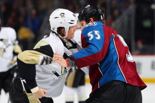 Penguins Batter Avs