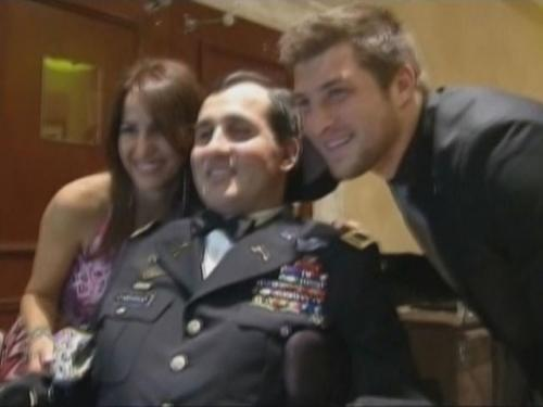 Tebow Visits With Wounded Vet In Florida
